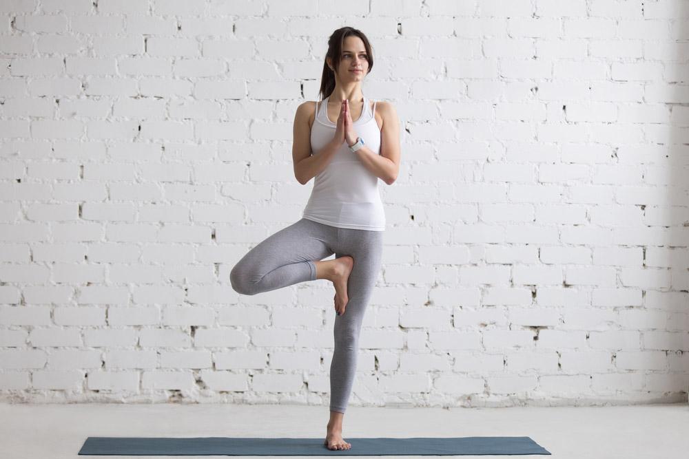 tri.balance Magazin: 5 leichte Yoga-Übungen, Der Baum