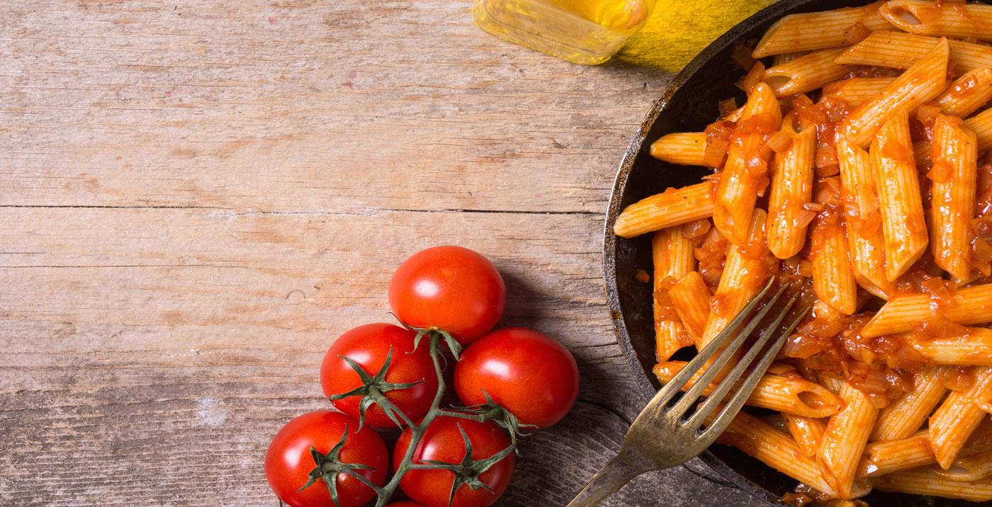 Dinkel-Penne mit Auberginen-Paprika-Pesto