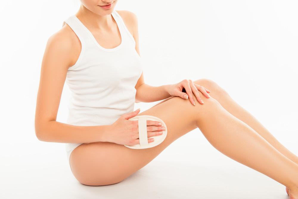 tri.balance Detox-Tipps: Bürstenmassagen, Zupfmassagen und Akupressur unterstützen die Entsäuerungskur.