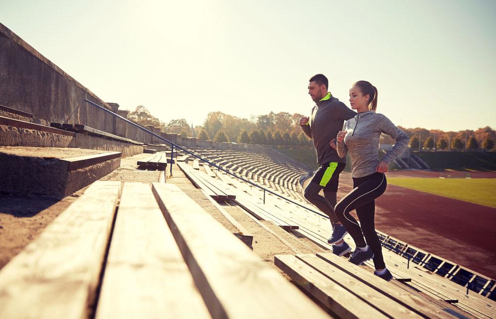 5 Workouts an der frischen Luft: Treppen-Sprints zum Aufwärmen