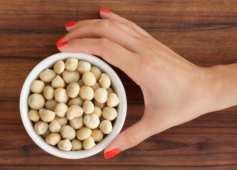 10 ballaststoffreiche Lebensmittel, basische Nahrungsmittel, tri.balance, Säure-Basen-Haushalt, Macadamianüsse basisch