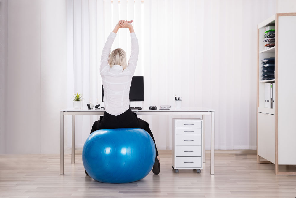 Büroalltag, Büro, Fitnessübungen, Fitness, basische Ernährung, tribalance